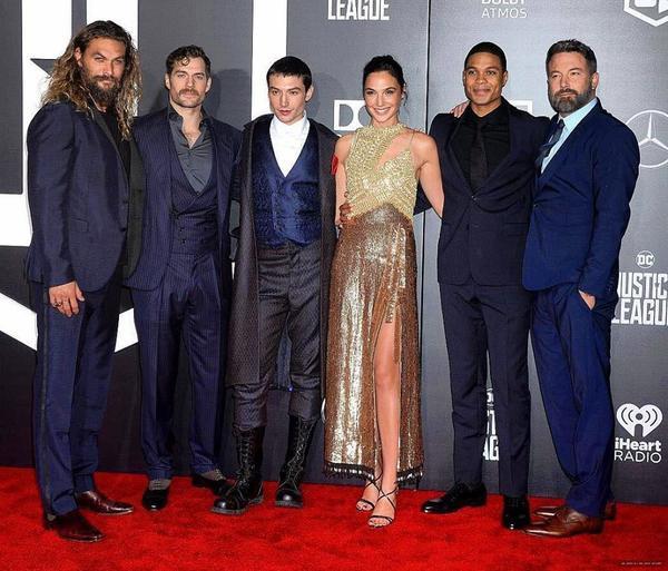 'Justice League'- 'Superman' xuất hiện cùng dàn sao trên thảm đỏ Mỹ, khẳng định sự trở lại - ảnh 1