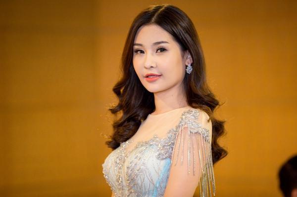 Lê Âu Ngân Anh: 'Sao phải so sánh với Nguyễn Thị Thành khi tôi đã đủ can đảm nói thật và tháo độn mũi' - ảnh 2