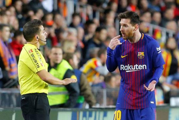 """HLV Barcelona phản ứng khó tin khi Messi bị trọng tài """"cướp"""" bàn thắng - Ảnh 2."""