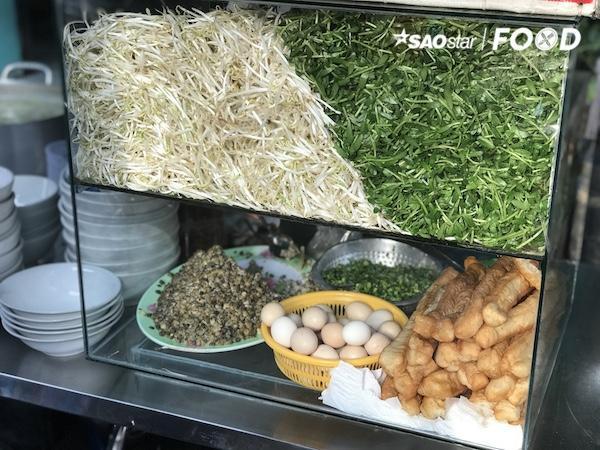 Thách bạn ăn hết các món ăn trong chợ Hồ Thị Kỷ - Ảnh 6.