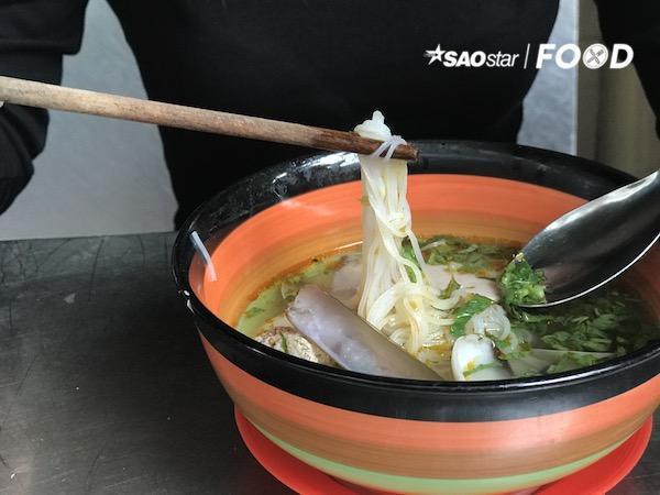 Thách bạn ăn hết các món ăn trong chợ Hồ Thị Kỷ - Ảnh 7.