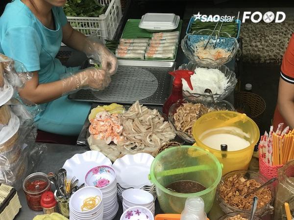 Thách bạn ăn hết các món ăn trong chợ Hồ Thị Kỷ - Ảnh 8.