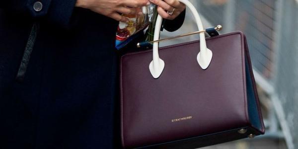 Túi xách của 'lọ lem' Meghan Markle bán sạch trong 11 phút, tăng giá gấp đôi - ảnh 3