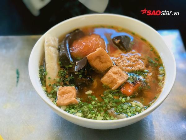 Thưởng thức hương vị đồng quê với món bún riêu, canh bún hấp dẫn tại thiên đường ăn uống Vạn Kiếp - Ảnh 3.