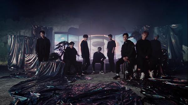 Fan EXO đã có thể nghe hit tiếng Nhật đầu tiên từ thần tượng dù… 2018 mới lên sóng