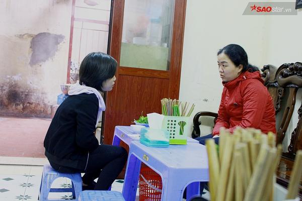 Suốt 20 năm ở Hà Nội, vẫn có một hàng bánh cuốn tráng tay cực ngon giá chỉ 10.000 đồng/suất - ảnh 4