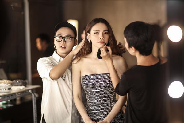 Hồ Ngọc Hà trở lại sàn diễn thời trang, làm 'nàng thơ' của Chung  - ảnh 5