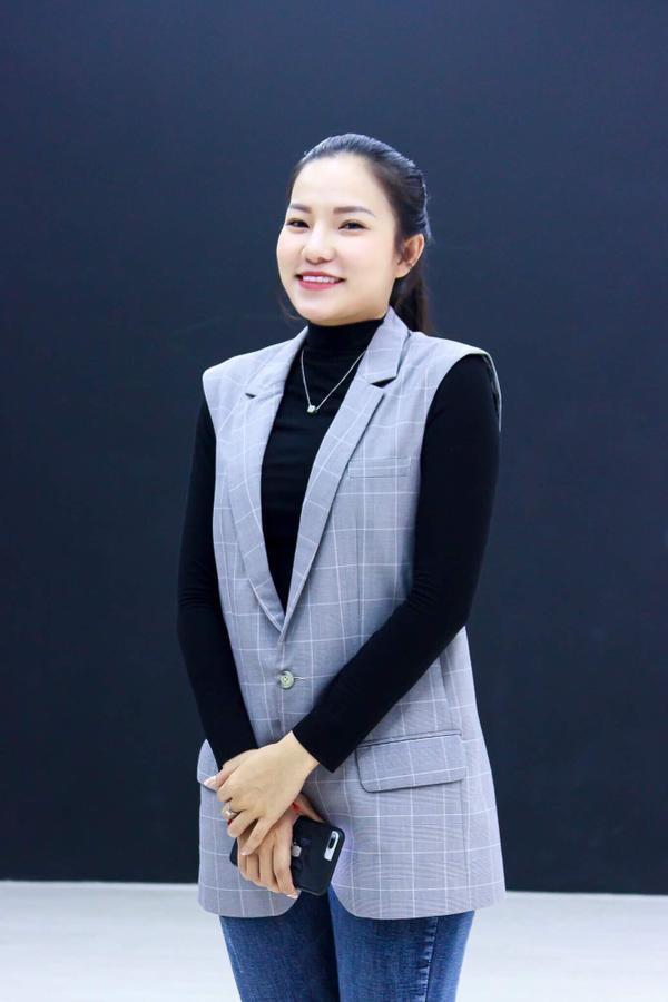 'Bản sao' Hà Tăng diện đồ lộ nội y cùng Lương Gia Huy, Thuận Nguyễn chấm thi người mẫu - ảnh 5