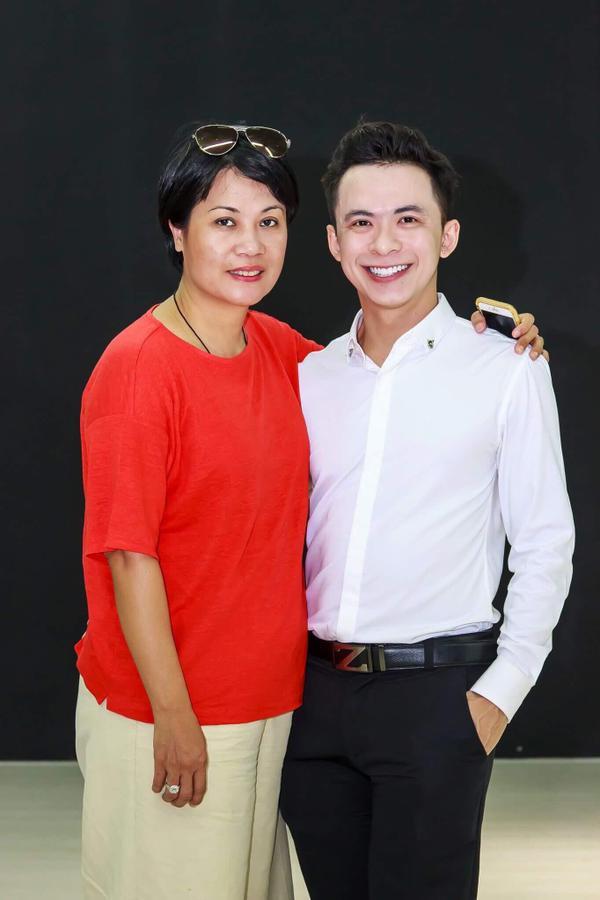 'Bản sao' Hà Tăng diện đồ lộ nội y cùng Lương Gia Huy, Thuận Nguyễn chấm thi người mẫu - ảnh 6