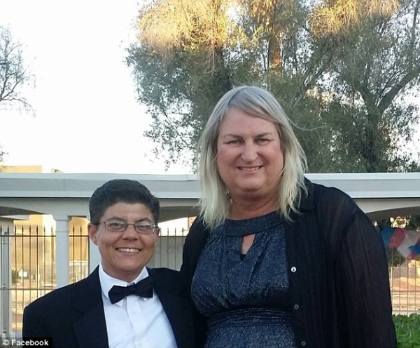 Gia đình độc nhất vô nhị, cả bốn thành viên đều là người chuyển giới - Ảnh 3.