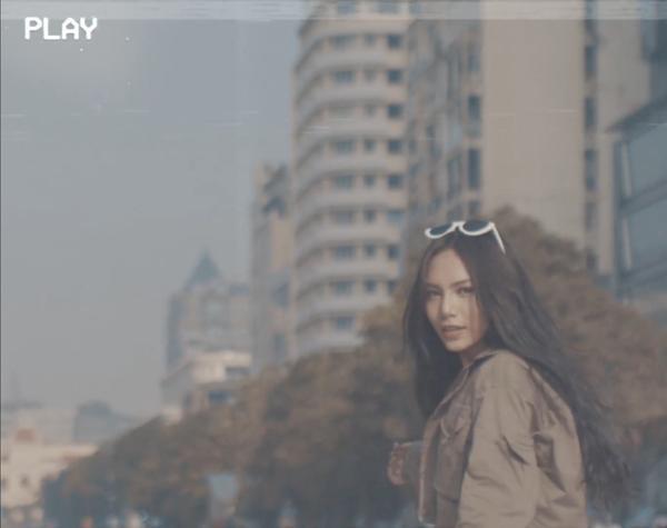 Vũ Thảo My 'chất chơi', xăm thật trên tay khi quay MV mới