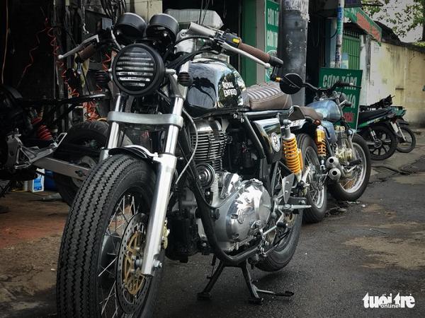 Chiếc Royal Enfield 500cc Mod Cafe Racer được làm ra từ xưởng