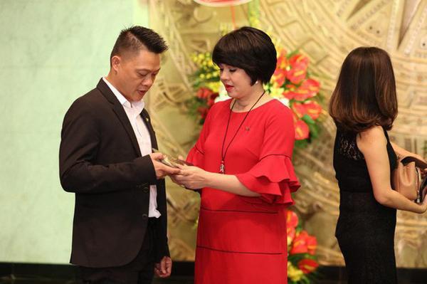 MC Diễm Quỳnh trở lại sau khi sinh con ở tuổi 45 và 'cuộc dịch chuyển' VTV6