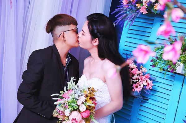 Bộ ảnh cưới 'chụp trước, cưới sau' của cặp đôi hoán đổi giới tính cho nhau - Ảnh 2.