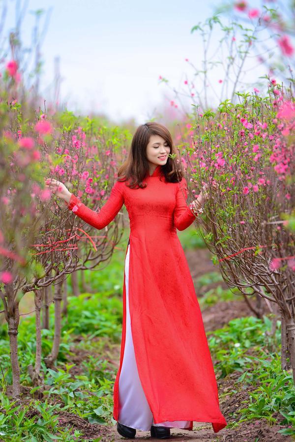 Đơn giản vẫn là đẹp nhất, Tết này chỉ cần diện áo dài một màu thì nguy cơ lẻ bóng chẳng còn! - ảnh 4