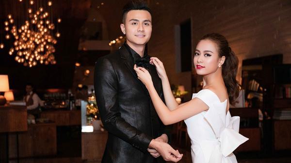 Hoàng Thuỳ Linh - Vĩnh Thuỵ đội mũ cặp đón Valentine sớm? - ảnh 2