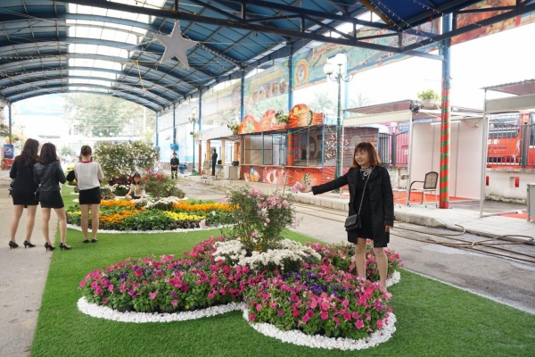 Đây là lần thứ hai lễ hội diễn ra tại Việt Nam. Trước đó, năm 2017 diễn ra tại Công viên Thống Nhất, Hà Nội. Ngoài trưng bày hoa và chế phẩm từ hoa hồng, lễ hội còn có nhiều hoạt động biểu diễn mang đậm nét văn hóa Bulgaria.