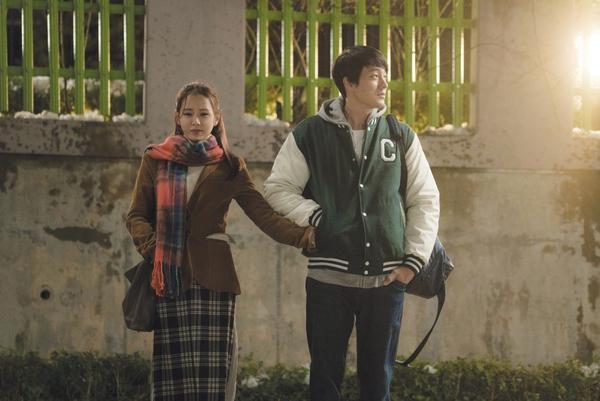 Phim 'Be With You' thành công giúp Son Ye Jin và So Ji Sub đứng đầu BXH diễn viên tháng 3 2