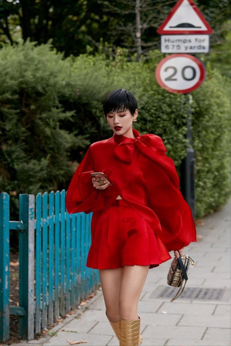 """""""Cô em Trendy"""" Khánh Linh: Không ngại thay đổi để trở thành một bản thể riêng biệt đầy cá tính Ảnh 5"""