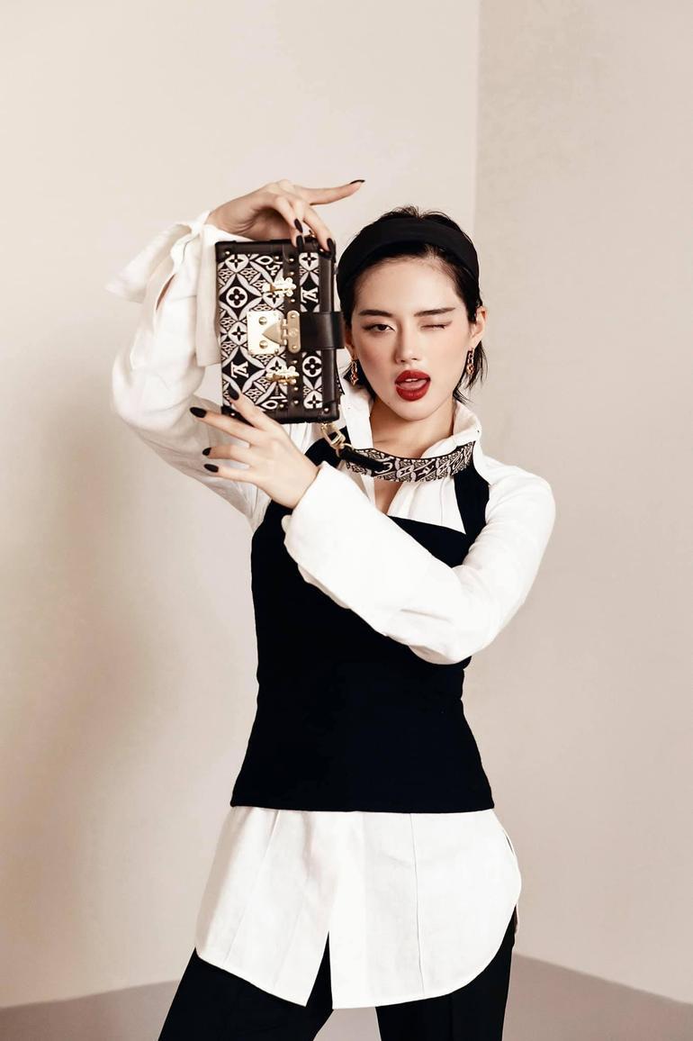 """""""Cô em Trendy"""" Khánh Linh: Không ngại thay đổi để trở thành một bản thể riêng biệt đầy cá tính Ảnh 9"""